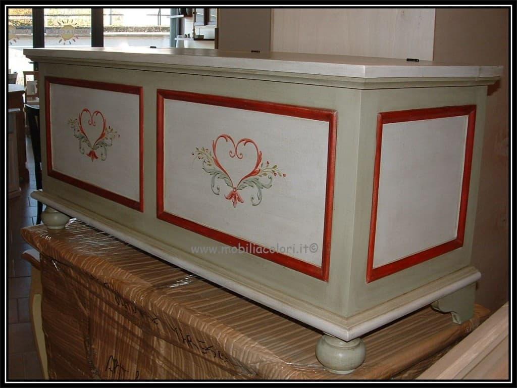 Cassapanche decorate e dipinte a mano in modo esclusivo for Cassapanche in legno prezzi