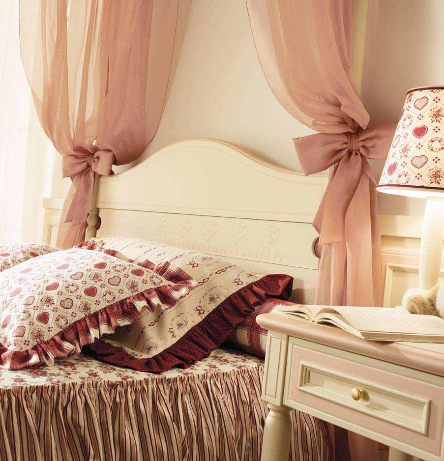 Camerette classiche per bambine for Camerette romantiche
