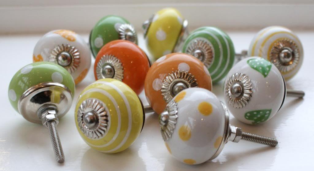 3 semplici passaggi per ricolorare vecchi pomelli - Pomelli colorati per mobili ...