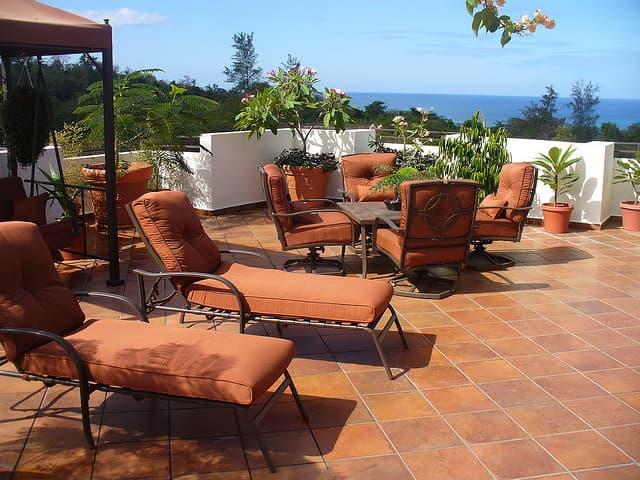 Hai un terrazzo scopri come scelgliere il giusto arredo for Arredo giardino terrazzo