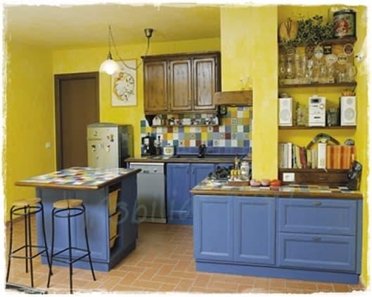 Rimodernare la cucina con il cambio di colore nuova vita - Colore muri cucina ...