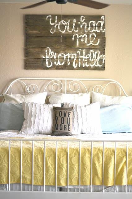 La biancheria per letto in shabby style