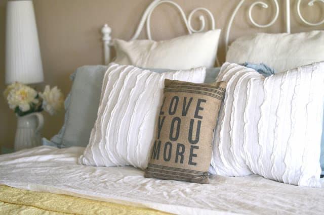 La biancheria per letto in shabby style - Siti per la casa ...