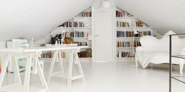 mansarda-total-white-con-libreria