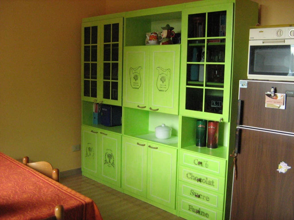 Rinnovare mobili vecchi con il colore mobili per passione for Dipingere mobili laminato