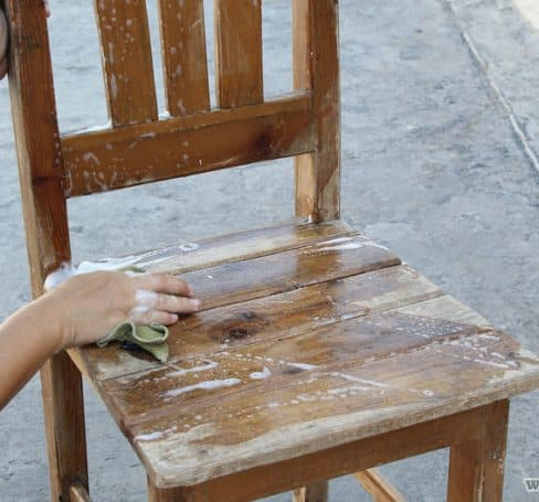 Paint-an-Old-Wooden-Chair-Step-1-Version-2