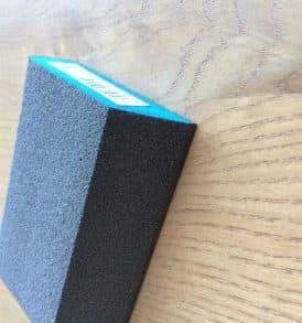 spugnetta abrasiva sagomata